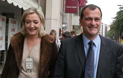 Marine Le Pen : son compagnon Louis Aliot, le jeune âge, biographie