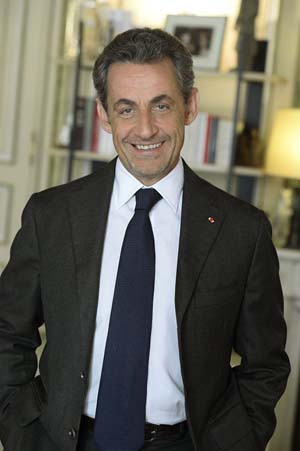 Nicolas Sarkozy annonce son retour sur son compte Facebook