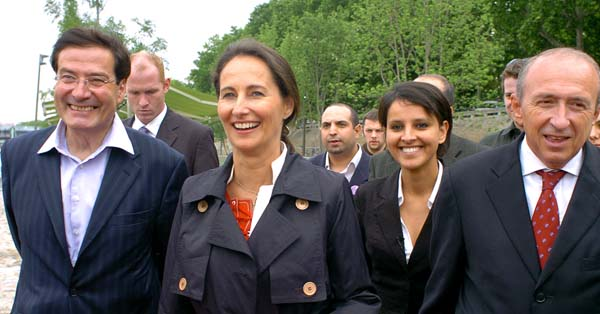 French socialist defeated presidential candidate Segolene Royal (2ndL) and Senator and Lyon's Mayor, Gerard Collomb (R) walk, 31 May 2007 in Lyon, during a support visit to local socialist candidates for the upcoming parliamentary elections, Najat Vallaud-Belkacem (2ndR) and Pierre-Alain Muet (L). Royal announced this month that she would not be running for parliament but would help bolster the socialist campaign as polls show the UMP poised to win a comfortable majority. AFP PHOTO JEAN-PIERRE CLATOT